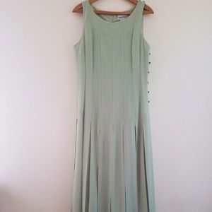 Women's Green Sleeveless Full Length Maxi Dress